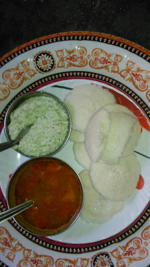 well prepared idali, sambhar, chutney/chhayaonline.com