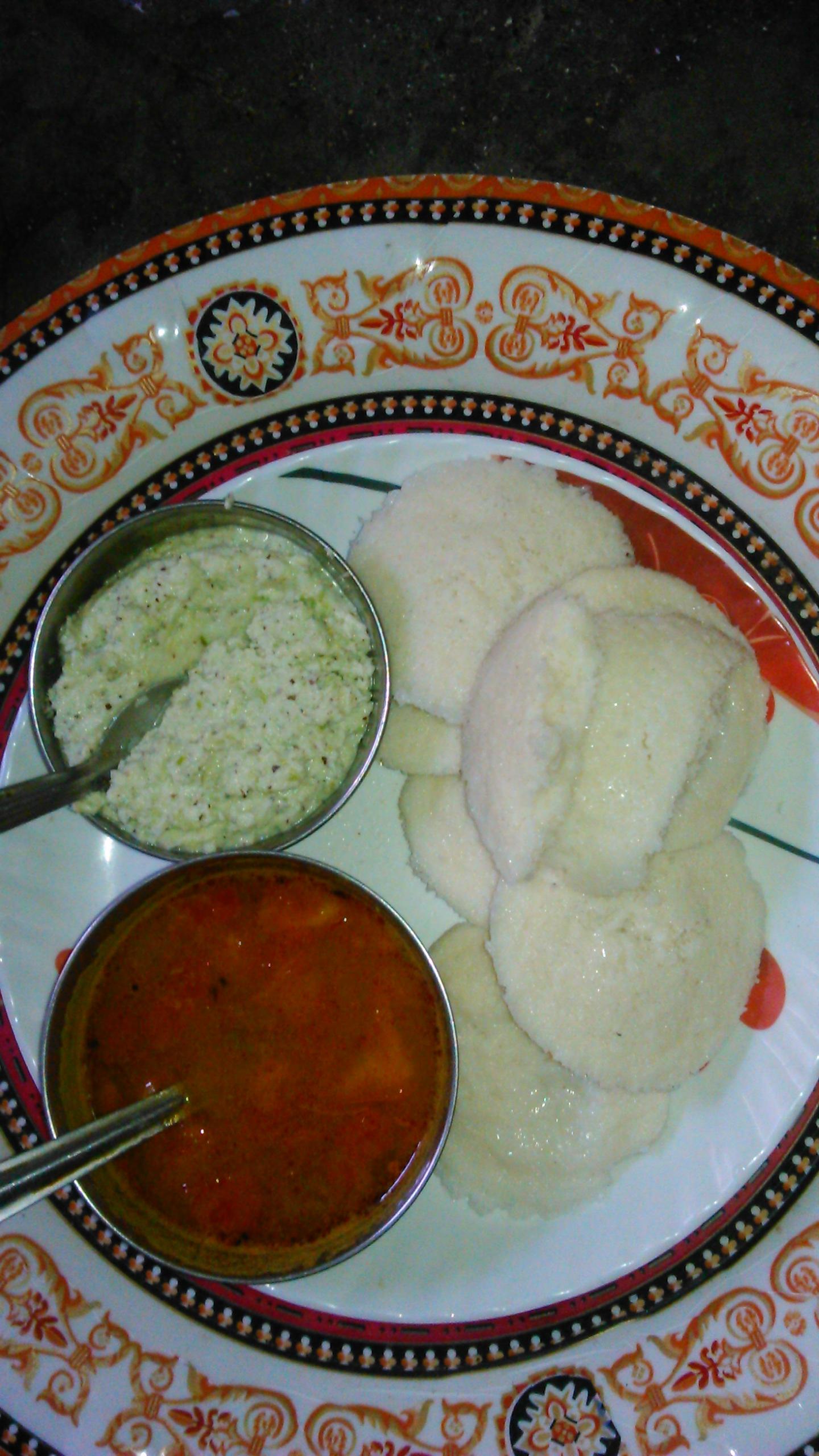 well prepared idali, sambhar & chutney/chhayaonline.com
