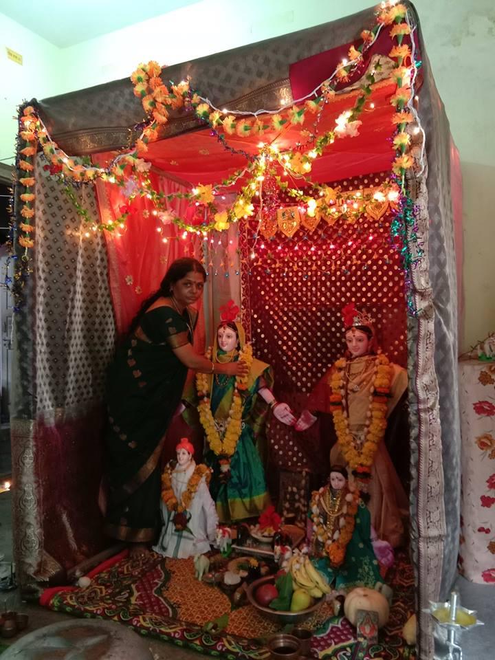 Mahalaxmi pooja/chhayaonline.com