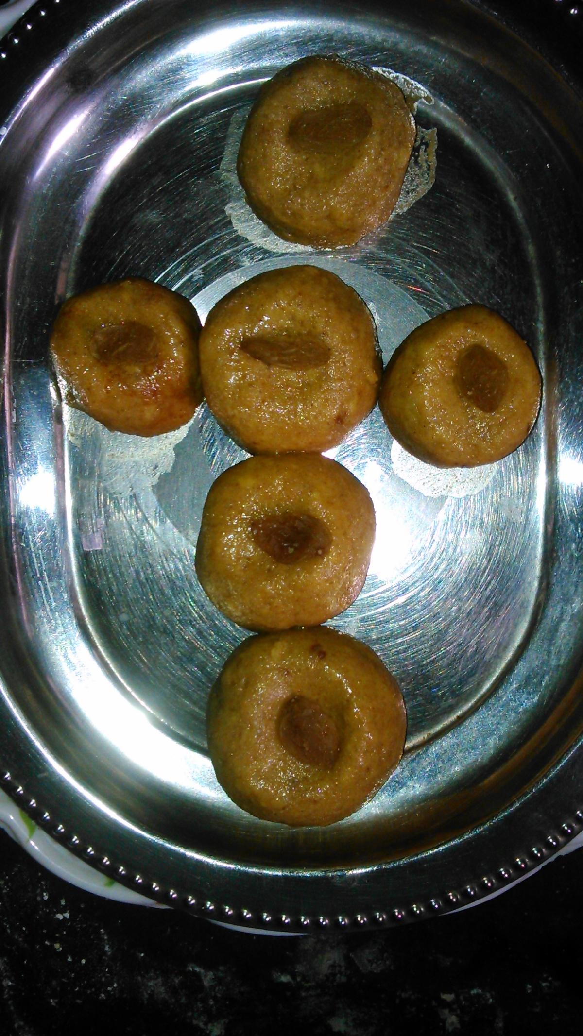 Sweet recipe- basen ladoo/chhayaonline.com