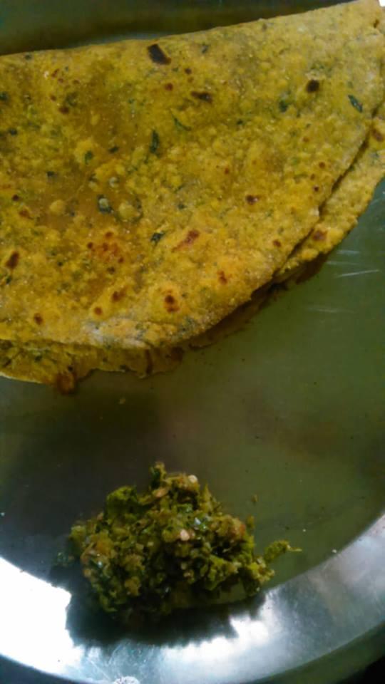 Methi paraha recipe with coriander leaves.