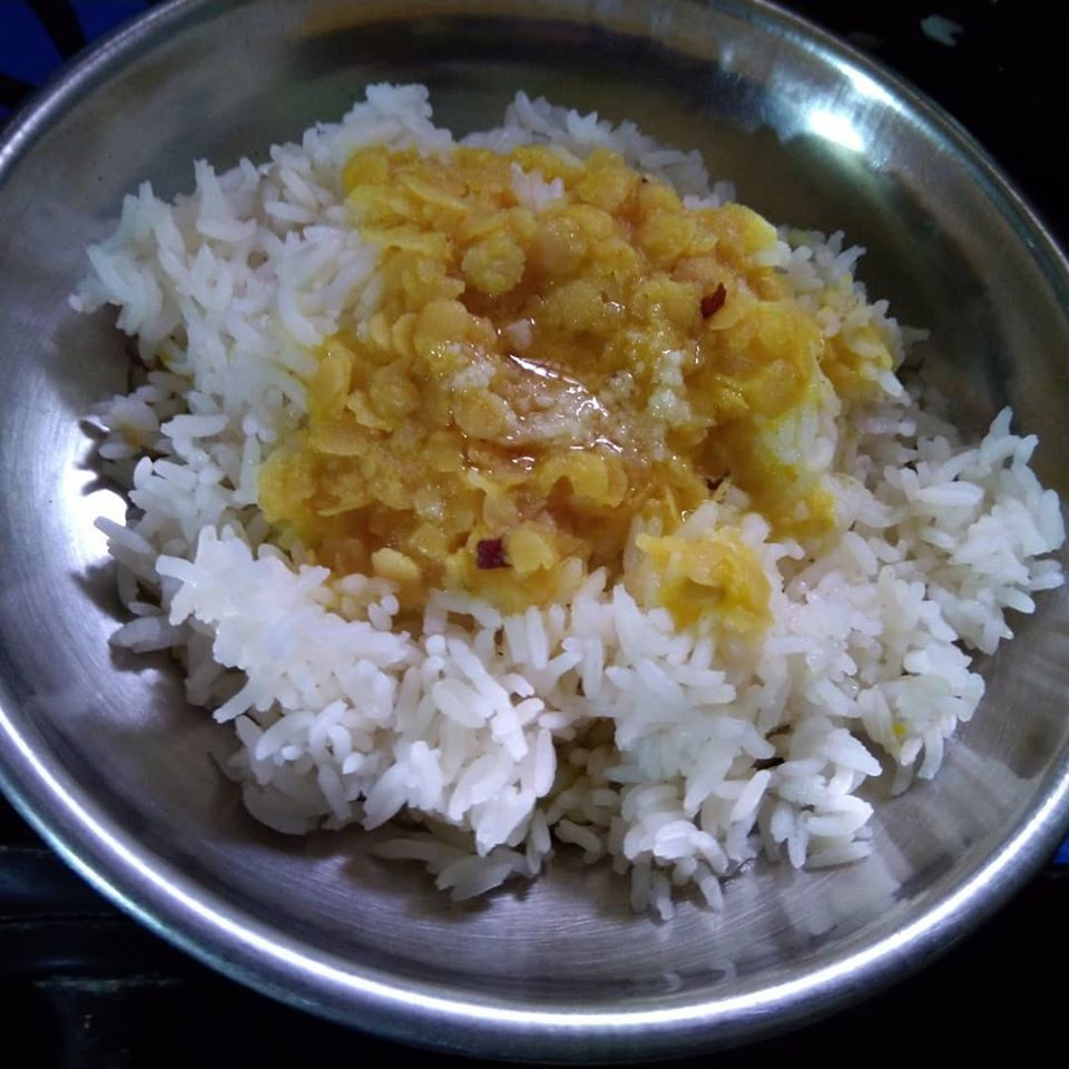 why we should eat dal rice/health benefits/chhayaonline.com