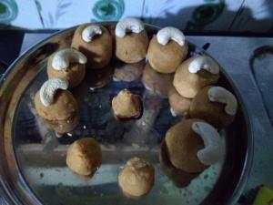 Basen Ladoo Recipe - Navratri Special